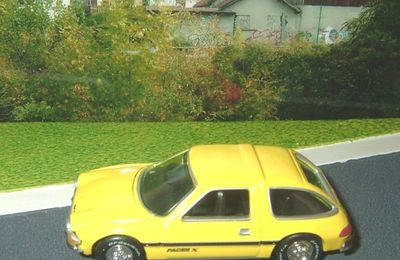 CHRYSLER AMC PACER 1977 JOHNNY LIGHTNING 1/64