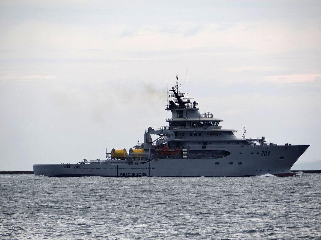 EL MOUNDJID , 701 remorqueur de la marine algérienne à Toulon le 01 juin 2016