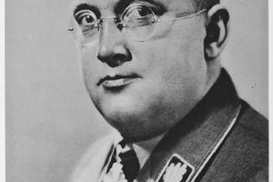 Portrait of Reichskriegsopferfuehrer Hanns Oberlindober