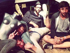 baston, un trio garage pop rennais reconnu autant pour son humour décapant que leur musique tellurique