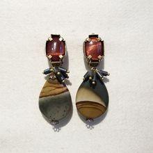 Boucles d'oreilles clip en pierres naturelles. Bijou de créateur Paris