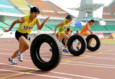 Course de pneus femmes 6 ième jeux paysans à Quanzhou Chine n°1