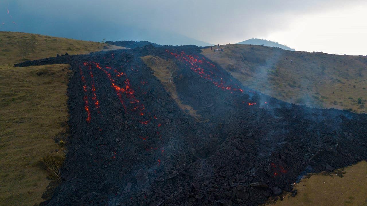 Pacaya - lava flow in progress - photo Conred 04.14.2021