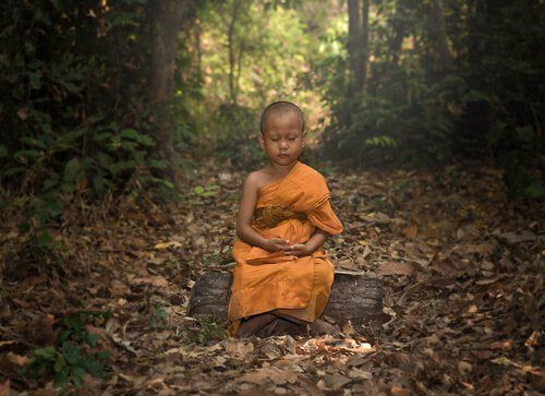 Le moine et la glace au chocolat, un conte bouddhiste sur l'eg