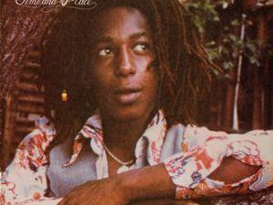 hugh mundell, un chanteur jamaïcain de reggae assassiné à 21 ans