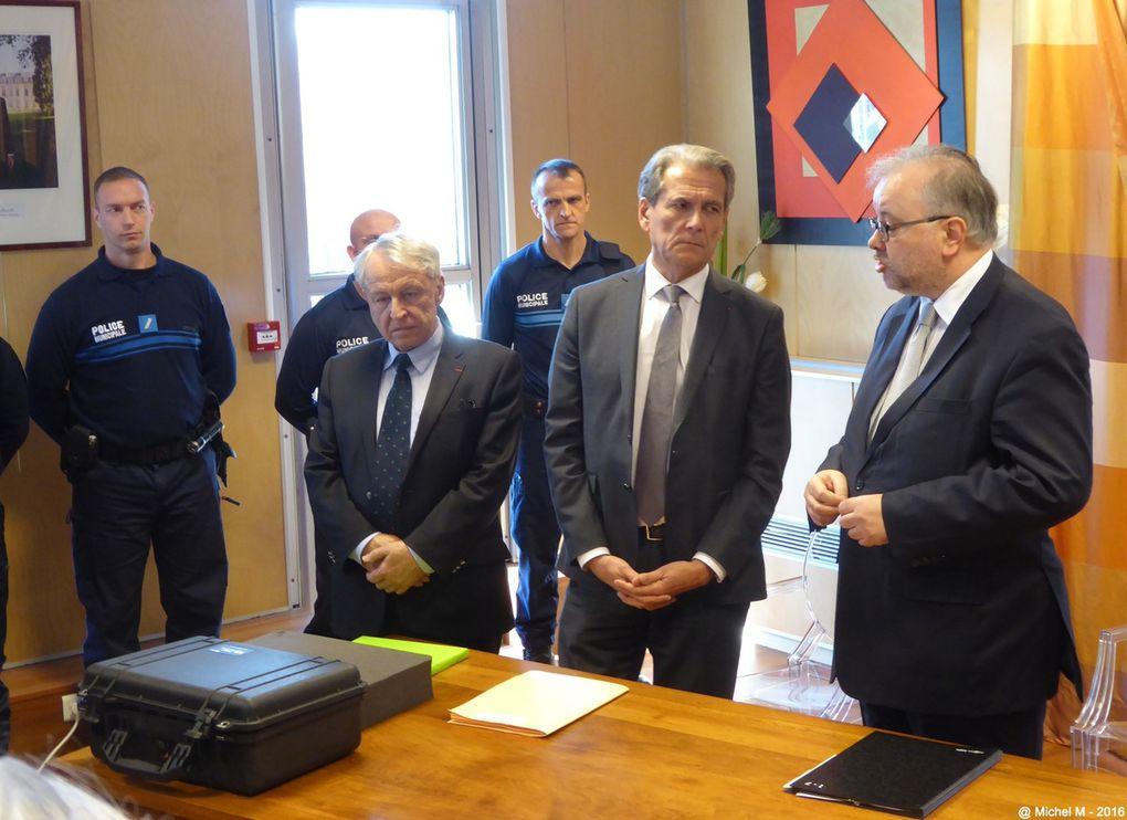 Inauguration à  la mairie de Meylan du système de vidéo protection mis en place par la  municipalité