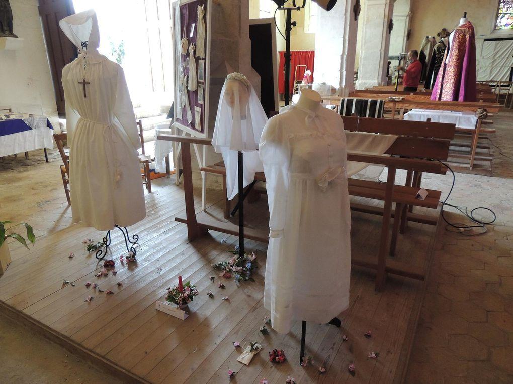 Exposition des vêtements, linges d'autel et broderies liturgiques