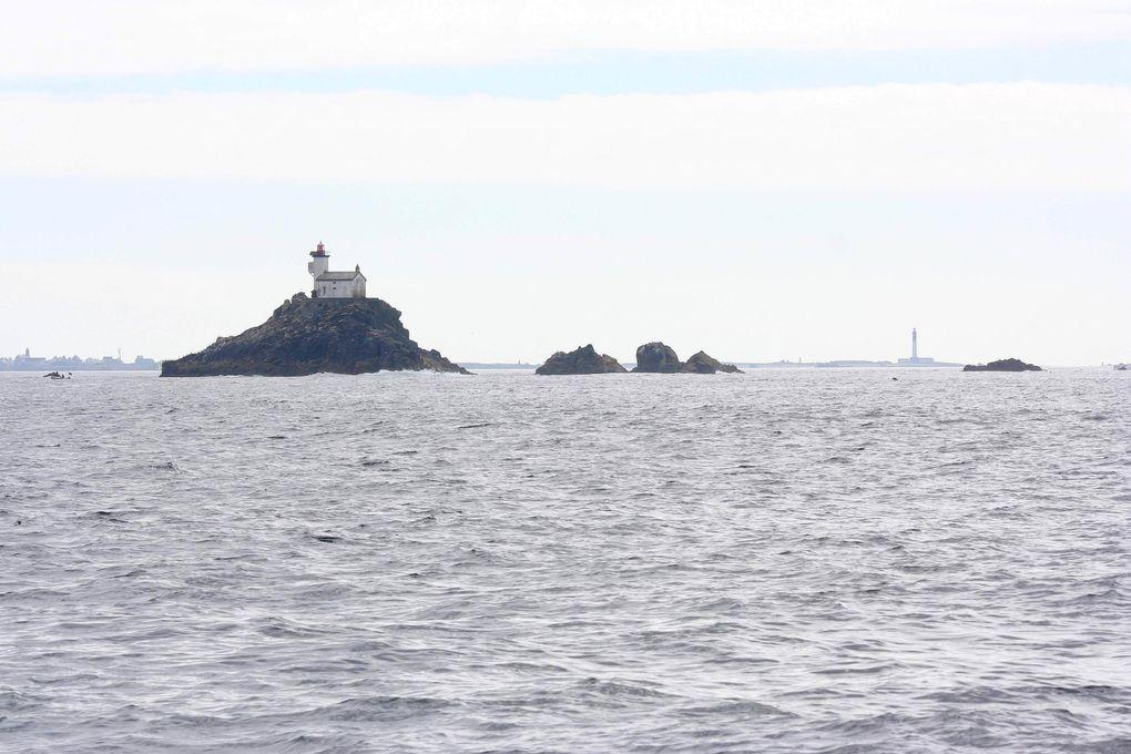 îlot Tévennec et son phare.