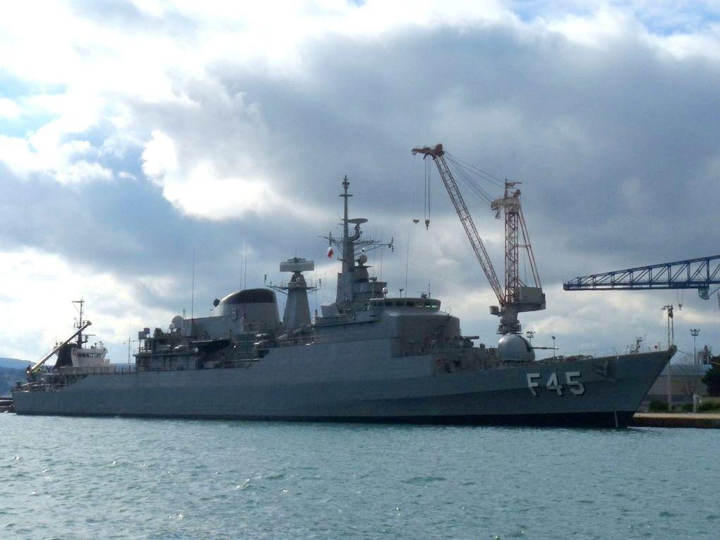 UNIAO  F45 , frégate de la marine brésilienne