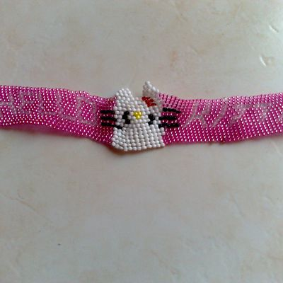 bracelet hello ketty en tissage peyote