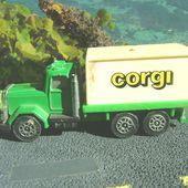 CAMION AVEC PUBLICITE CORGI - car-collector.net