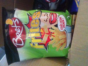 Les nouvelles chips chez Bret's ( Sticks Pop et frites ) .