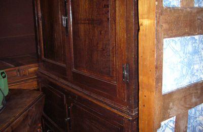 Très grande armoire chêne - 19éme origine cantal - prix 980€ - très bon état - ref 0213/448