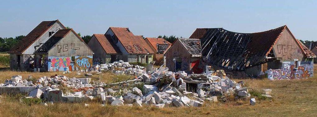 Un village fantôme, dans une commune balnéaire, entièrement investi par les tagueurs. Photos Jacques Masse.
