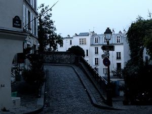 Dans les rues de Paris Montmartre... (2)