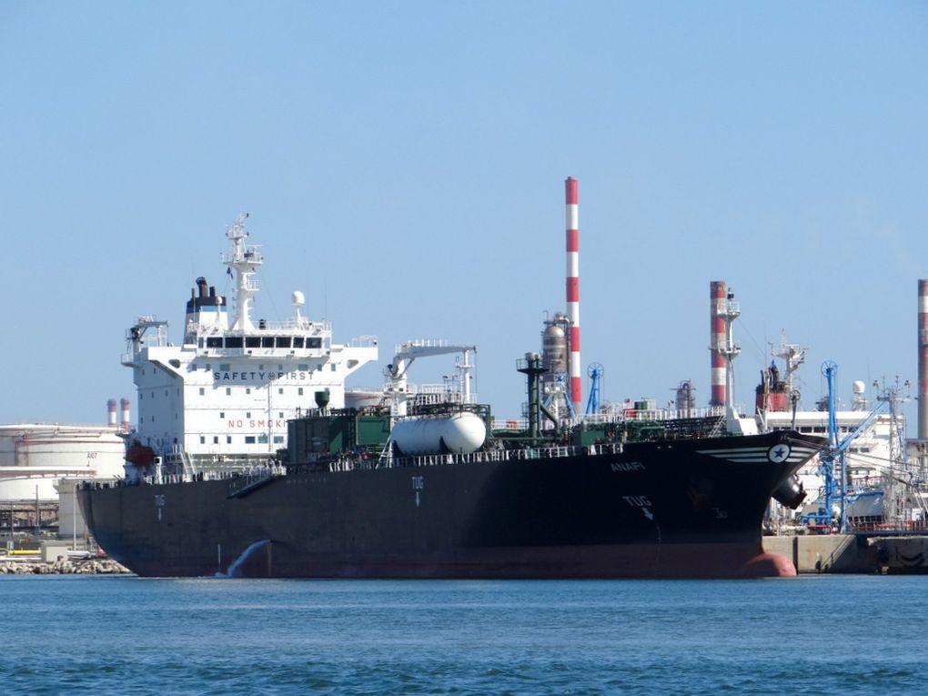 ANAFI , à quai dans le port de Lavera le 24 juin 2014