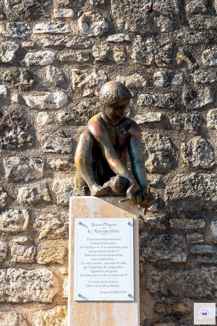 Village de Hautefort, patrimoine incontournable en Dordogne