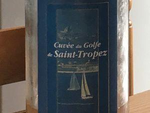 Un portrait emballant (Sam Levin, 1952) et du vin déballé à Novalaise par l'ami De Spar : en coopérant harmonieusement, tout le monde profite régulièrement.