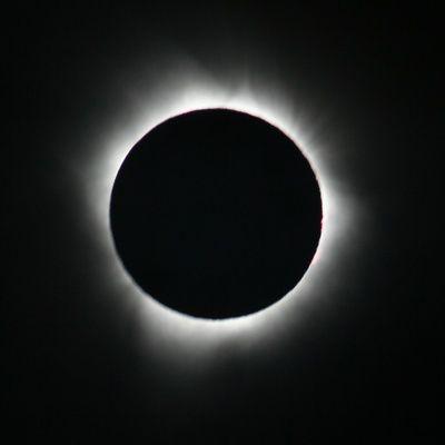 Comment fonctionnent les éclipses solaires et lunaires ?