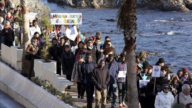 Imágenes de la frontera de España con Marruecos, Ceuta.- El Muni.