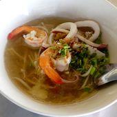 Restau en bord de route vers Chanthaburi - Kwai Tiao Thale au menu - Noy et Gilbert en Thaïlande