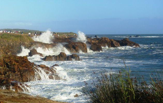 Grande marée d'août au château d'olonne