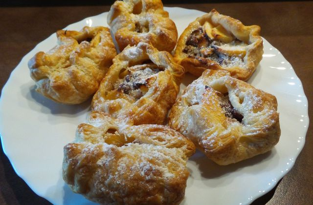 FEUILLETES AU COING