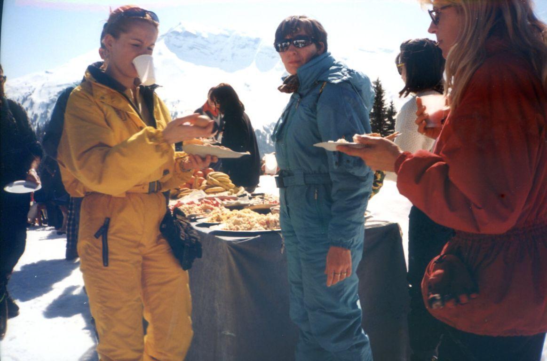 Album - Chantereine, le Comité d'établissement, les sports d'hiver aux Gets (France) et une excursion en Andorre
