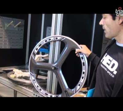 Fabrication d'une roue carbone 3 bâtons : HED