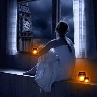 Femme - Fenêtre - Horloge - Nuit - Picture - Free