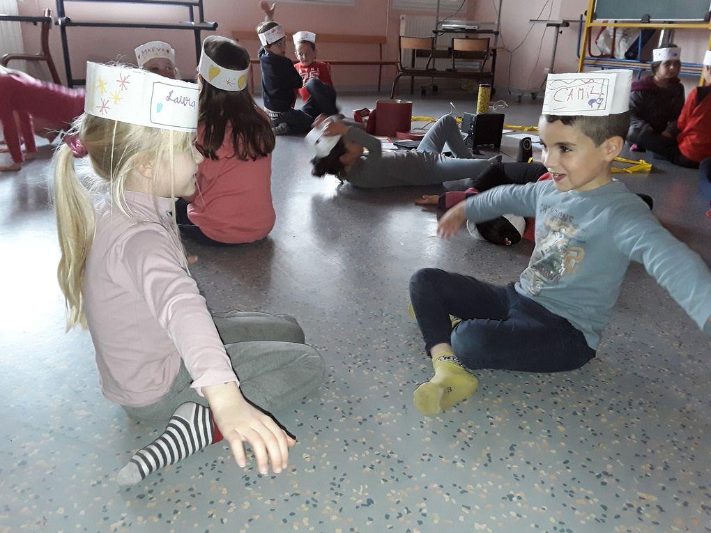 Séances de Theatre Forum (écoles primaires cassin et les escholiers, St jean de Védas, saison 2017-2018)