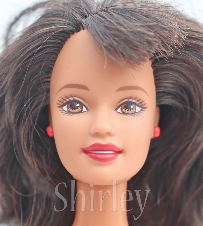 """HAWAII"" TERESA DOLL 1999 MATTEL #24618"