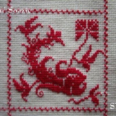 SAL : Plaid Broderie Rouge... Grille  24 / D10