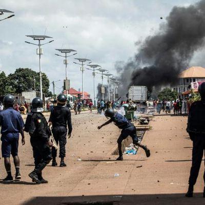 Abidjan, Conakry, le feu a pris