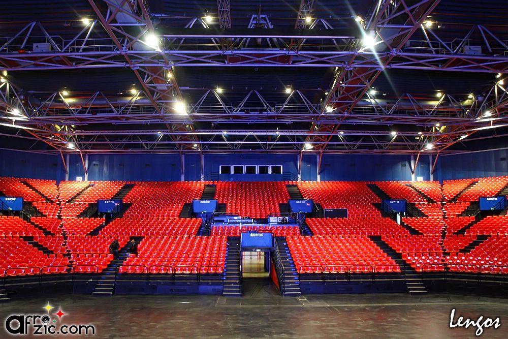 près de 150 photos du dernier concert de Fally Ipupa au Zénith de Paris le 2 janvier 2010 Olivia, Mokobé, Fally Ipupa... Photos de Lengos