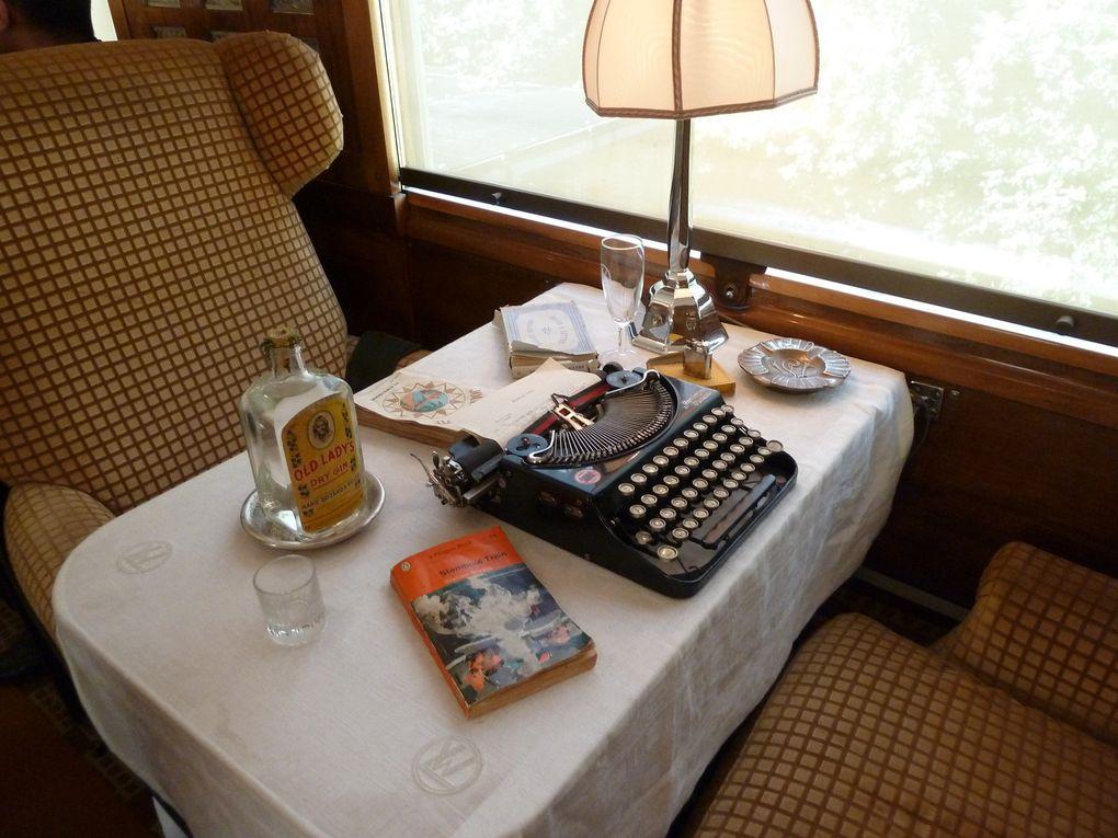 Le luxueux salon Flèche d'Or où les passagers pouvaient déguster boissons chaudes, alcools etc.. et s'adonner à la rêverie, la lecture, les jeux de société...
