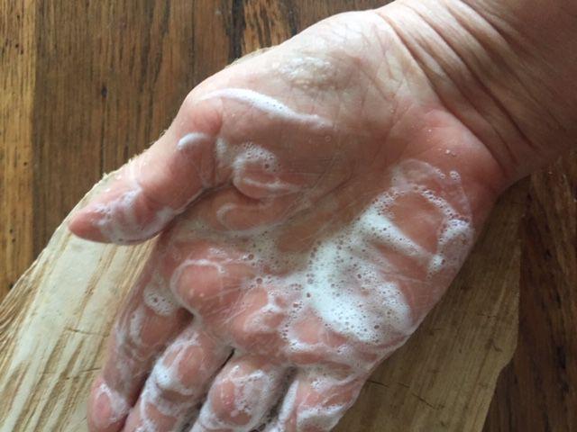 Shampoing très doux en poudre pour voyager... ou pas