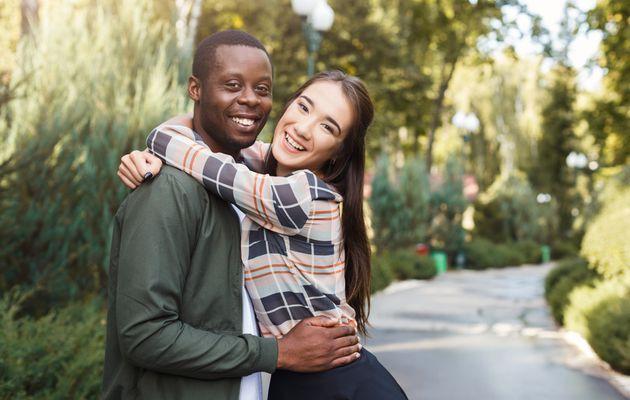 Quels sont les stéréotypes sur les relations interraciales?