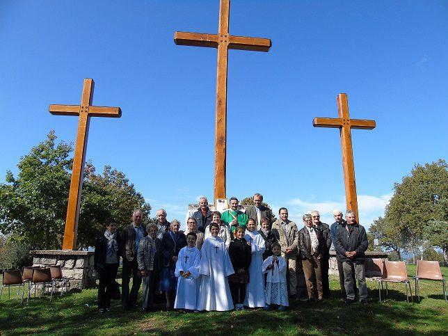 Des croix redressées à Saint-Mamet et à Marcolès...