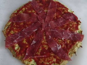 Pizza à la pâte à la courgette - light