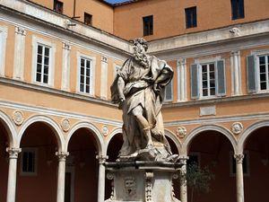 Les 4 dernières photos ne font pas partie du Camposanto - J'ai oublié le nom du bâtiment.
