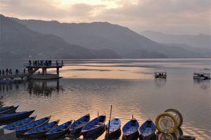 Pokhara  (4) ... Plaisirs népalais : des 5 à 7 au lac Fewa