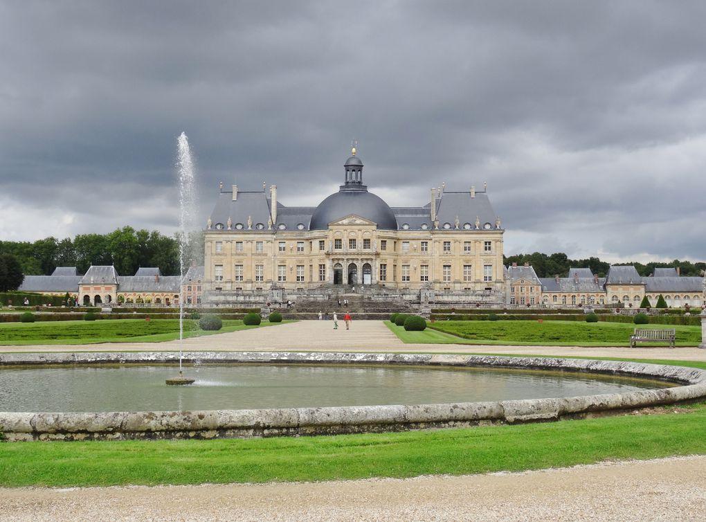Intérieur et extérieur des deux châteaux