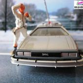 TIME MACHINE DELOREAN BACK TO THE FUTURE CORGI 1/36 DOC BROWN MICHAEL J.FOX & LLOYD - car-collector.net