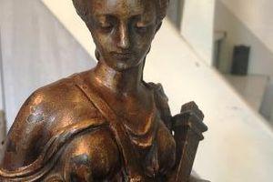 Comment restaurer une statue en régule