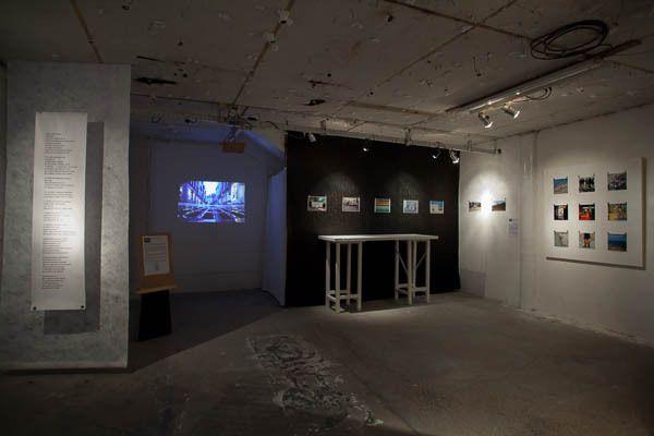 La scénographie de l'exposition et une partie du collectif impliqué dans ce projet