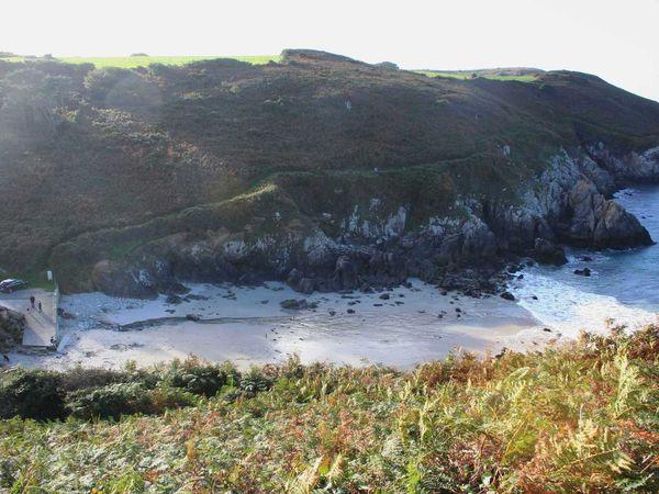 231 -  Pors Lesven, Porzh Lesven, abri-côtier, côte nord du Cap-Sizun, sentier GR 34, navigation côtière, photos GeoMar
