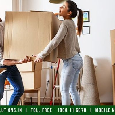 How should you pack the heavy items to move them safely?
