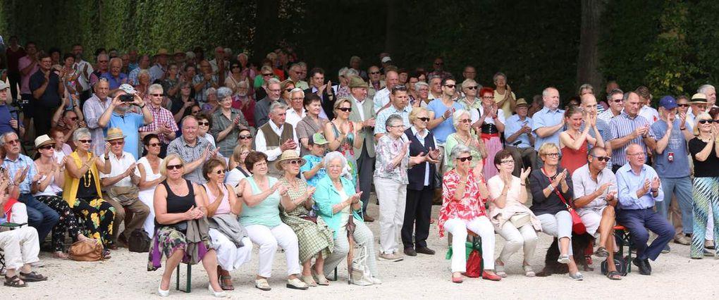 Nun vollständig: Imposantes Jagdhornkonzert in tollem Ambiente des Veitshöchheimer Hofgartens