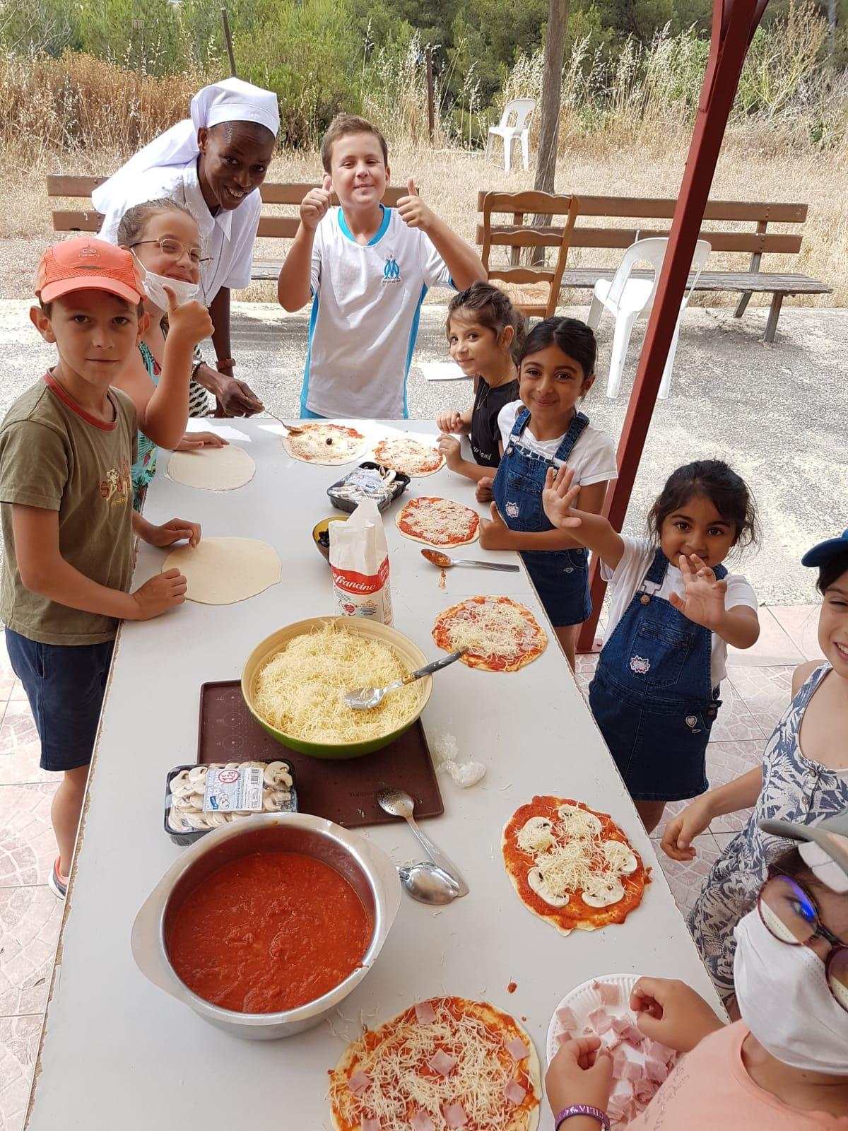 Journée de sortie à Saint Julien des enfants du KT et leurs Catéchistes pour rendre grâce au Seigneur pour cette belle année passée ensemble. Un grand merci au Père Sathiya et aux Catéchistes.